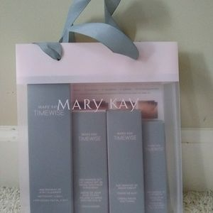 New Mary Kay Timewise Miracle Set 3D Normal Dry